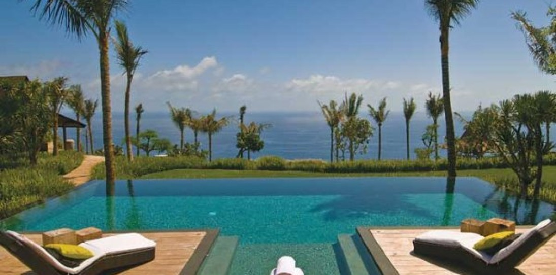 Khayangan Luxury Resort Villas in Bali
