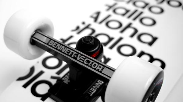 hello-skateboard-buddy-carr-limited-edition_01