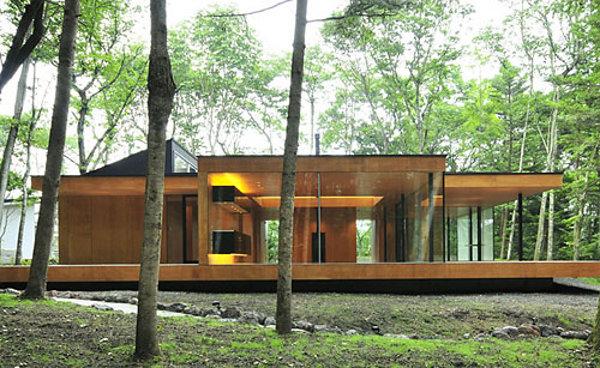 weekend residence dasic architects karuizawa nagano japan 01 Japanese Weekend House by Dasic Architects