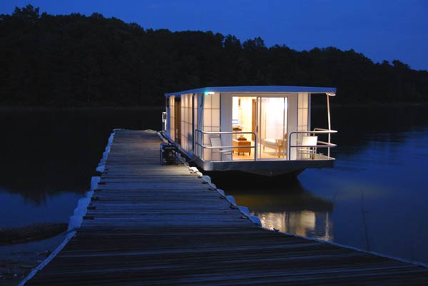 metroship contemporary houseboat 1 The MetroShip Contemporary HouseBoat