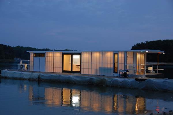 metroship-contemporary-houseboat_2