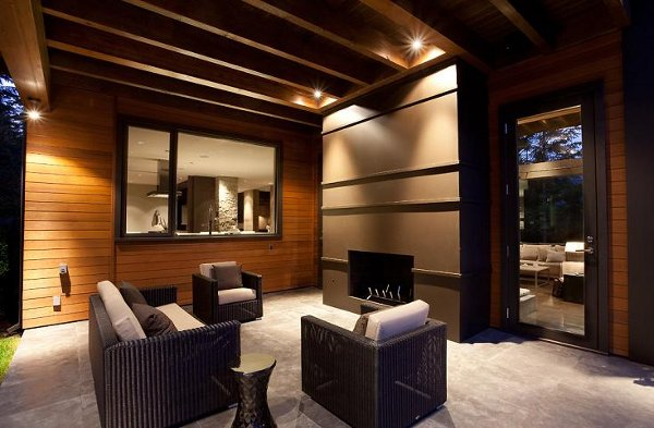 compass-point-home-in-whistler-canada_12