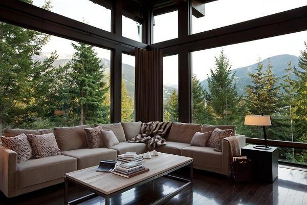 compass-point-home-in-whistler-canada_8