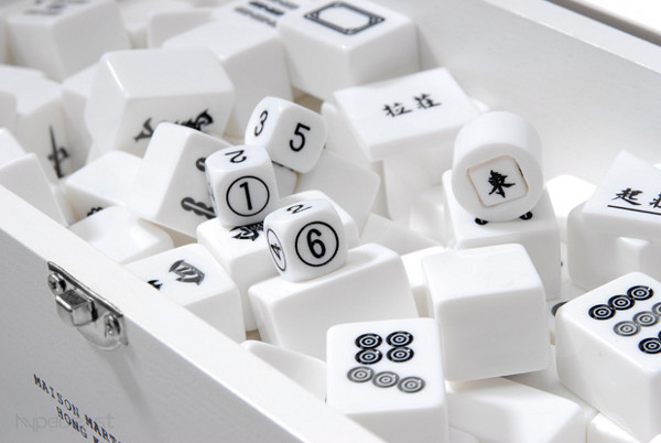 mahjong set by maison martin margiela 3 Mahjong Set by Maison Martin Margiela