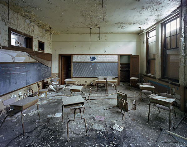 ruins-of-detroit_marchand-and-meffre_15