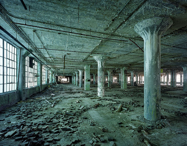 ruins-of-detroit_marchand-and-meffre_17