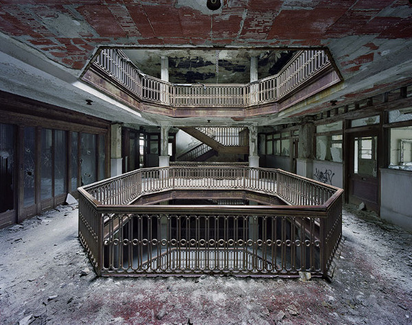 ruins-of-detroit_marchand-and-meffre_4