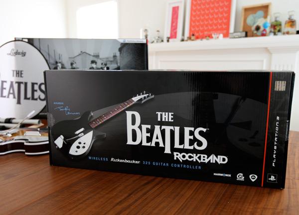 Beatles Rock Band Rickenbacker 325 1 A Close Look at the Rickenbacker Guitar from Beatles: Rock Band