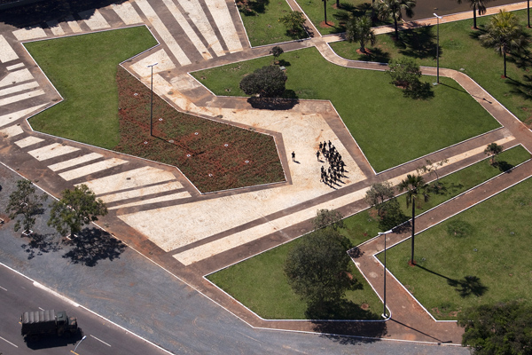 Brazil's Civic Square by Burle Marx 2
