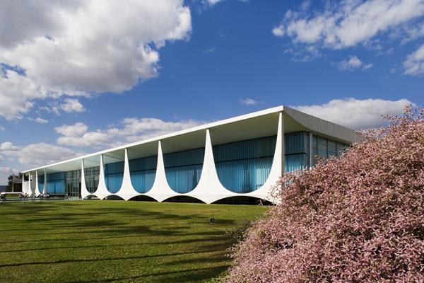 Palaucio da Alvorada by Oscar Niemeyer 3