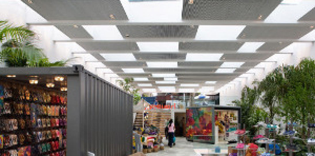 Havaianas Store Brazil by Isay Weinfeld