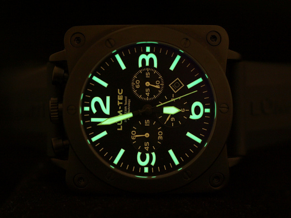 Lum-Tec Bull 45 Chronograph 3