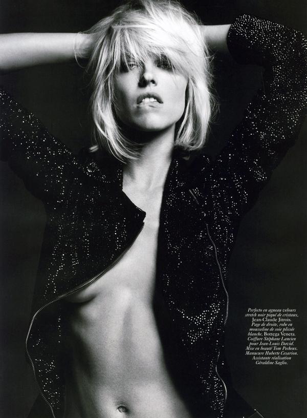 eva herzigova hedi slimane vogue paris october 2009 5 Eva Herzigova and Hedi Slimane for Vogue Paris