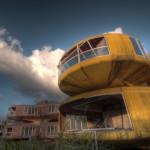 UFO-houses_Sanjhih_1