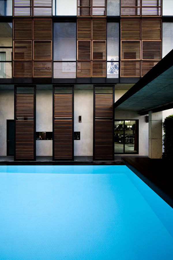 apartment-house-in-seletar-estate-singapore-by-formwerkz-architects_1