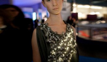 LED-Powered Climate Dress Monitors Pollution