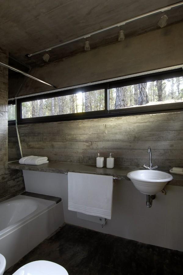 concrete-house-mar-azul-forest_BAK-architects_11