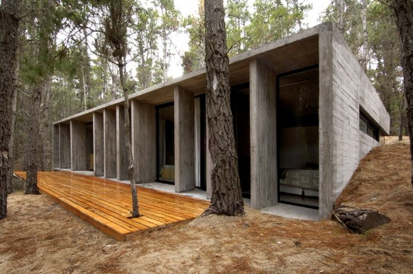 concrete house mar azul forest BAK architects 4 Concrete House in Mar Azul Forest, Argentina