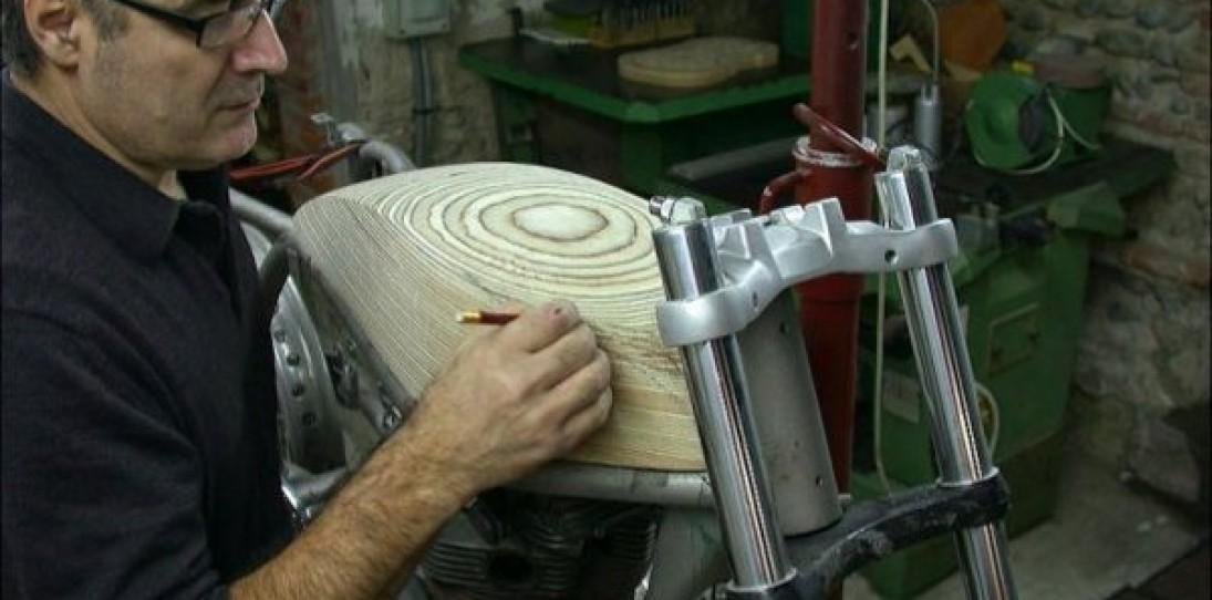 Amazing Triton Custom Bike by Daniel Delfour
