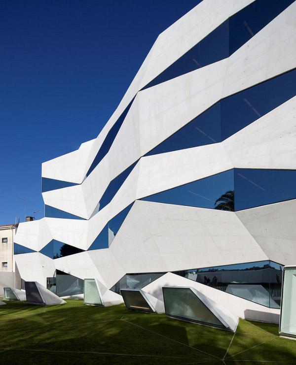 vodafone-headquarters-building-porto-portugal_5