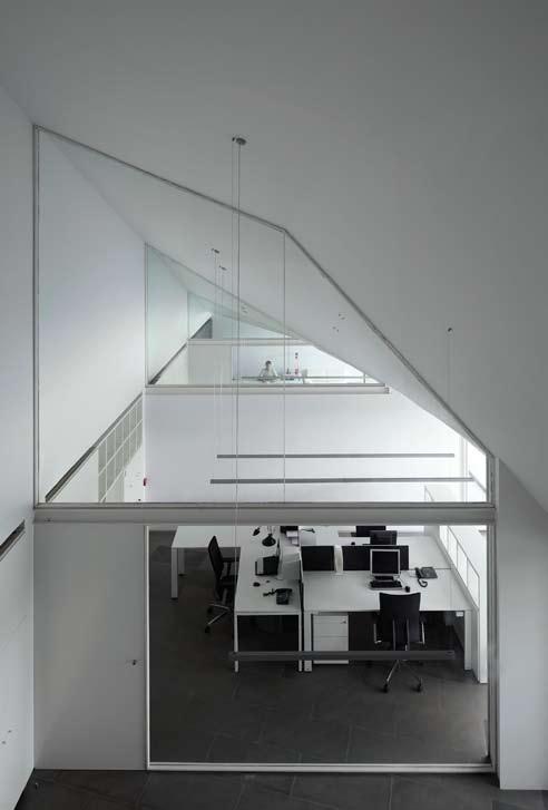 Azahar Group Headquarters in Castellon, Spain 10