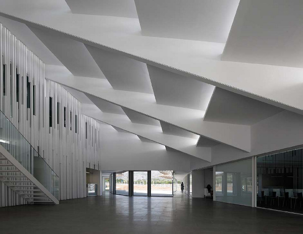 Azahar Group Headquarters in Castellon, Spain 8
