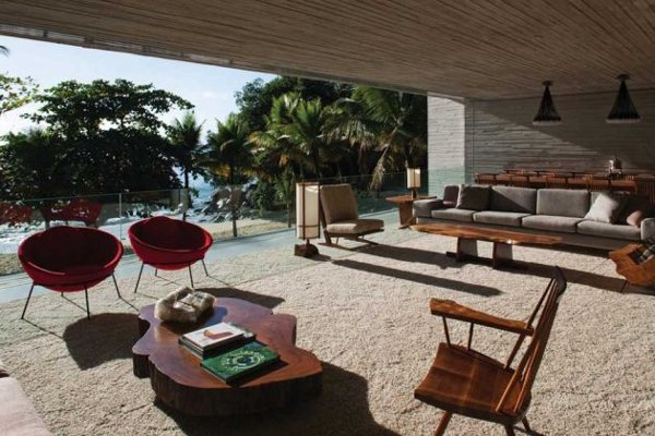 Paraty House by Marcio Kogan Architects 3