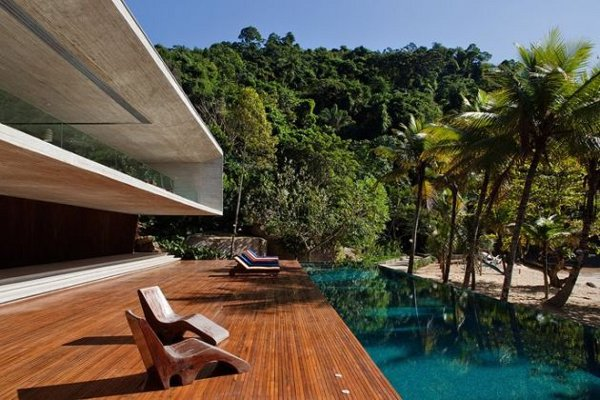 Paraty House by Marcio Kogan Architects 5