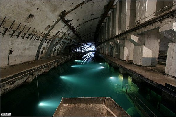 abandoned russian submarine base 2 Abandoned Places: 10 Creepy, Beautiful Modern Ruins