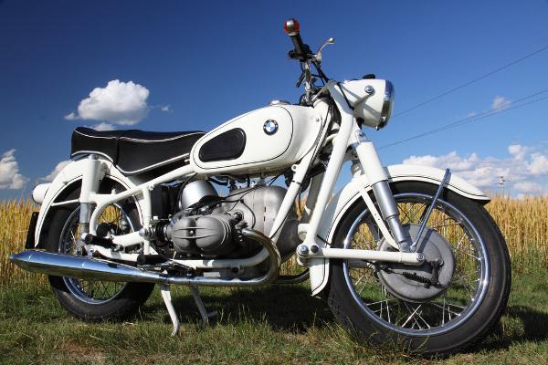 bmw r69s 9 Magnificent Moto: the 1960 BMW R69S