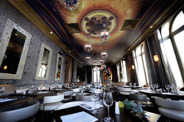 l'arc paris restaurant and nightclub 3