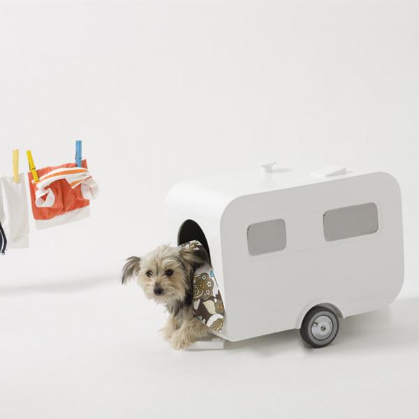 luxury-caravan-dog-house_2