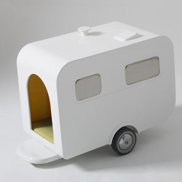 luxury-caravan-dog-house_3