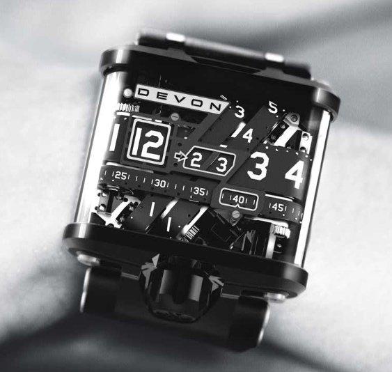 devon-works-tread-1-watch_2