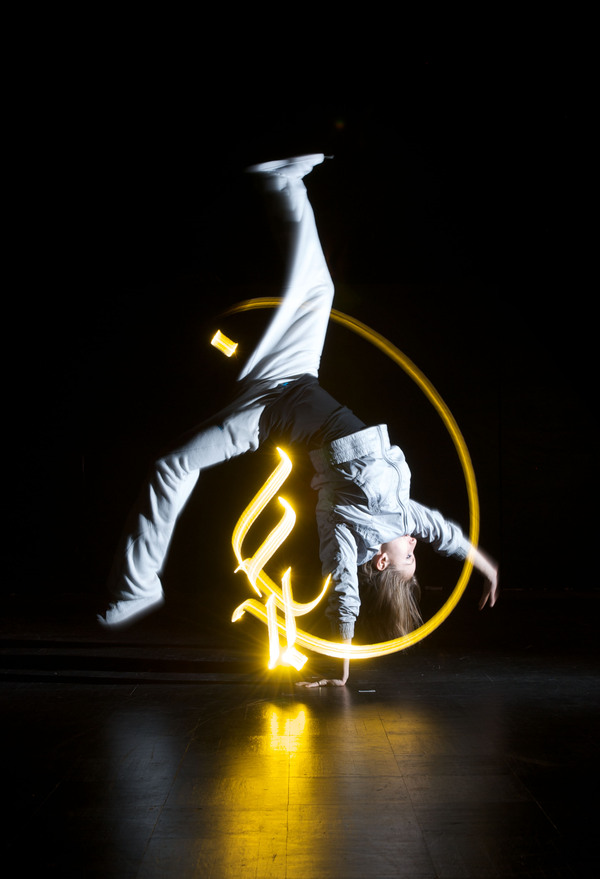 julien-breton-light-calligraphy_cortex-compagnie_5