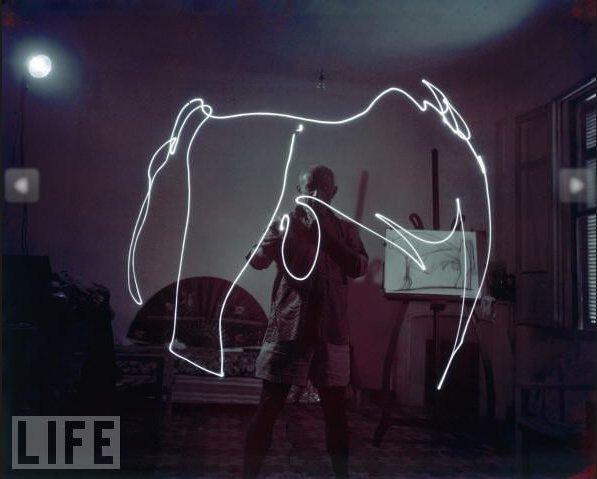 pablo-picasso_light-graffiti_2