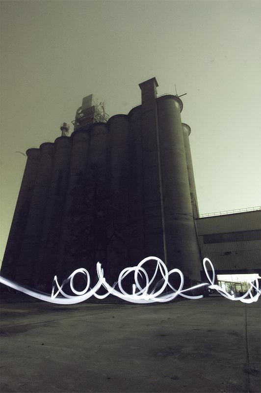 taylor-pemberton_light-graffiti_2