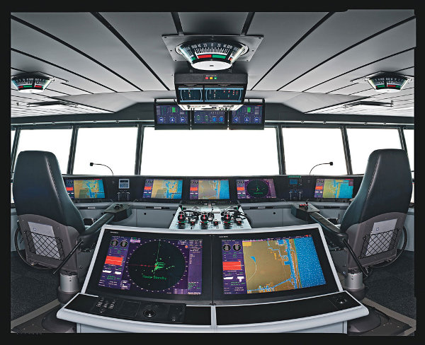 Oasis of the Seas Cockpit