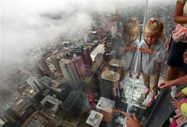 sears-tower-glass-balcony_2