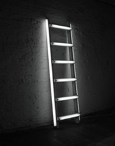 Light Sculptures by Iván Navarro 4
