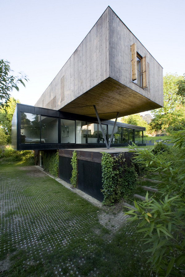 House in Sevres by Colboc Franzen Associes 2 House in Sevres by Colboc Franzen & Associes