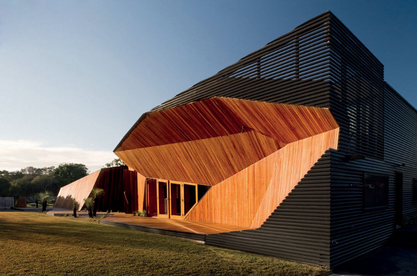 Letterbox House by McBride Charles Ryan 1 Letterbox House by McBride Charles Ryan