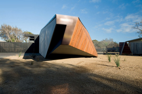 Letterbox House by McBride Charles Ryan 3 Letterbox House by McBride Charles Ryan