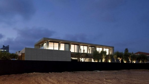 Beach Retreat by Pitsou Kedem Architect 2