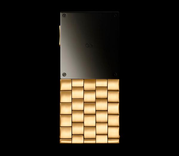 Aesir Copenhagen Luxury Phone by Yves Behar 2