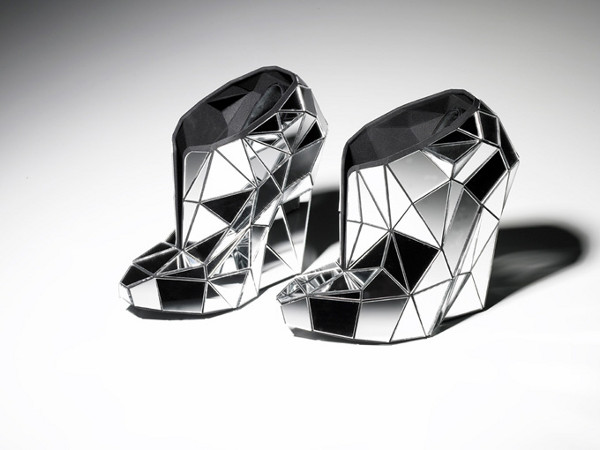 Andreia Chaves Invisible Shoes 1 The New Invisible Shoe by Andreia Chaves