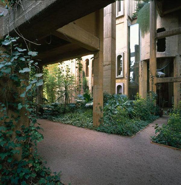 Ricardo Bofill Concrete Factory Home 5
