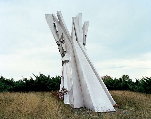 Abandoned Yugoslavian Monuments by Jan Kempenaers 11