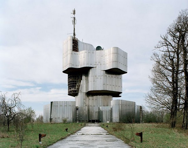 Abandoned Yugoslavian Monuments by Jan Kempenaers 14