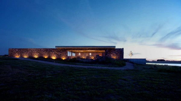 Punta House by Marcio Kogan 1